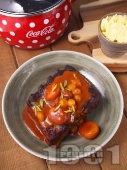 Крехки свински ребра в сос със сушени кайсии, маринован арпаджик и картофено пюре - снимка на рецептата